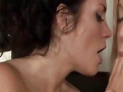 Lesbians sloppy tongue kissing